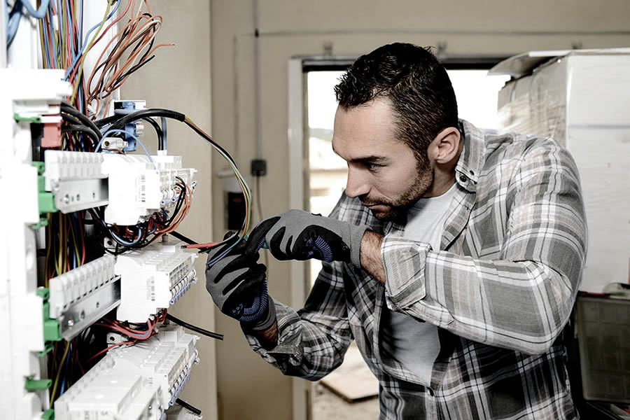 What Is the Difference Between Licensing & Certification for a Master Electrician?